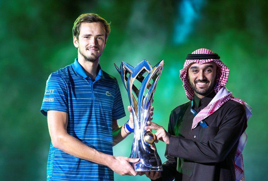 Medvedev Inaugure Le Palmares De La Diriyah Tennis Cup Sport