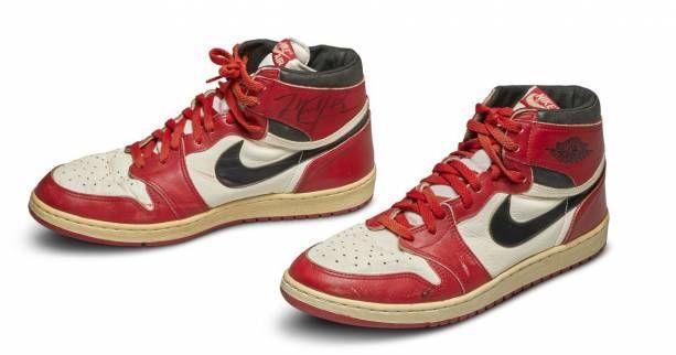 La 1ère chaussure Nike de Michael Jordan mise aux Enchères | Sport ...