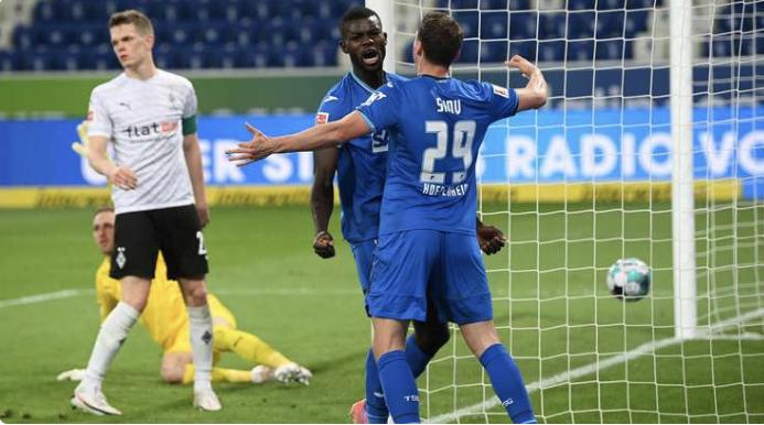 Hoffenheim renverse Monchengladbach