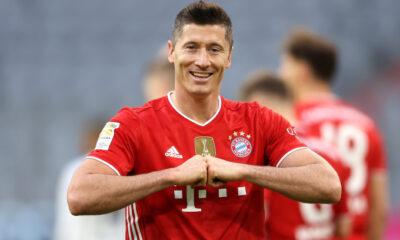 Robert Lewandowski content après la victoire face au Herta Berlin