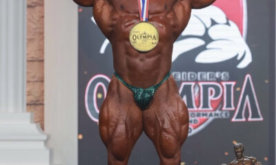 Mamdouh elssbiay alias BIG RAMY lors de son sacre a Mister Olympia 2020